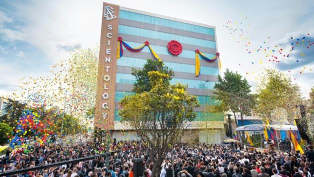 """Inauguration de la nouvelle église de scientologie """"idéale"""" à Bogota, Colombie"""