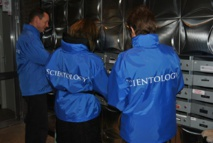 Les Vestes Bleues de Scientologie en campagne