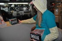"""Une équipe de jeunes bénévoles de l'association """"Dites NON à la drogue"""""""